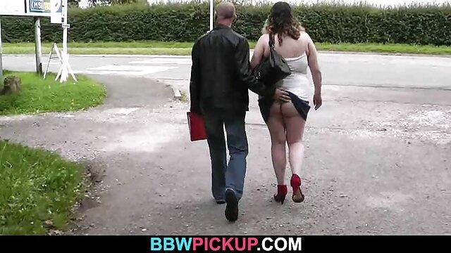 Pornstar 女性 の ため の アダルト ビデオ Roxy吸い込み大きなスタンドcocksと愛