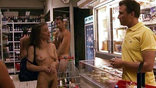 成熟したポルノスターは、おっぱいで男を誘惑し、彼にハードファックを与えます。 女性 の 為 の アダルト ビデオ