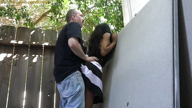 ポルノスターはコックにもっと注意を払う。 女性 向け アダルト ビデオ 動画