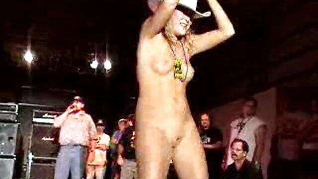 膣とお尻の若いヤギはウェブカメラに指を得る 無料 女性 向け アダルト ビデオ