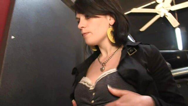 熟女のポルノスターは、大きなハードコックで尻を取得します。 女性 の ため の アダルト ビデオ 無料