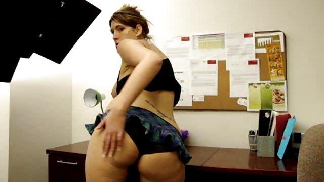 学生はセックス中にのみ男性に興味を持つことができます。 女子 向け アダルト ビデオ