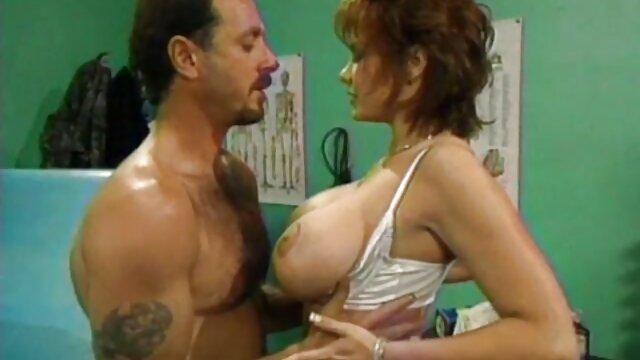 妻は夫におっぱいでオナニーをするように誘う。 女性 の ため の アダルト ビデオ 無料