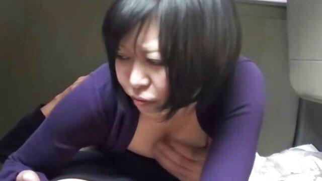 酔っぱらった女の子は椅子の上の男とセックスすることに同意した。 無料 女性 用 アダルト ビデオ