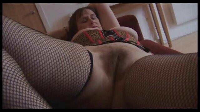 三つのレズビアンのガールフレンドは、ナイトクラブの後にclit 女性 が 見る アダルト ビデオ