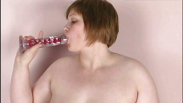 彼女の夫の男根は完全に深いフェラチオで彼の成熟した妻の口の中に消えました。 女性 用 アダルト ビデオ 無料