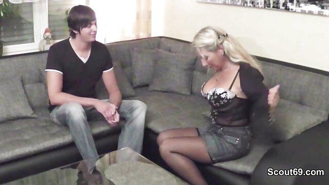 若い女性は男の喜びのために彼女の偽の猫を見せることに同意した。 女性 が 見る エロ ビデオ