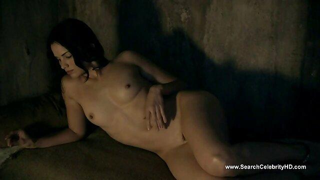 成熟した主婦は、シャワーで精力的にオフけいれんし、それは野生の話題です 女性 が 見る エロ ビデオ