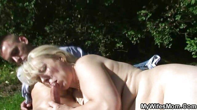 ダブルディルドで遊ぶいたずらなレズビアン。 女性 用 アダルト ビデオ 動画