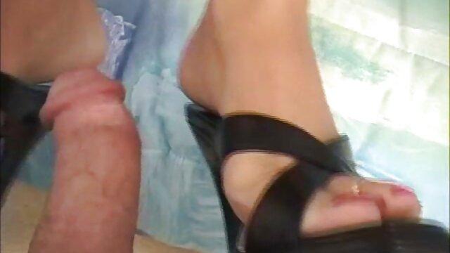 彼女の恋人のペニスの中に興奮の完全な膣を持つ若い日本の女の子。 女性 の 為 の アダルト ビデオ